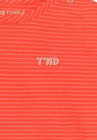 Tumble 'n dry - MONA - Print T-shirt - fiery coral - 3