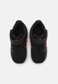 adidas Performance - RUNFALCON 2.0 UNISEX - Neutrální běžecké boty - core black/true orange/footwear white - 3