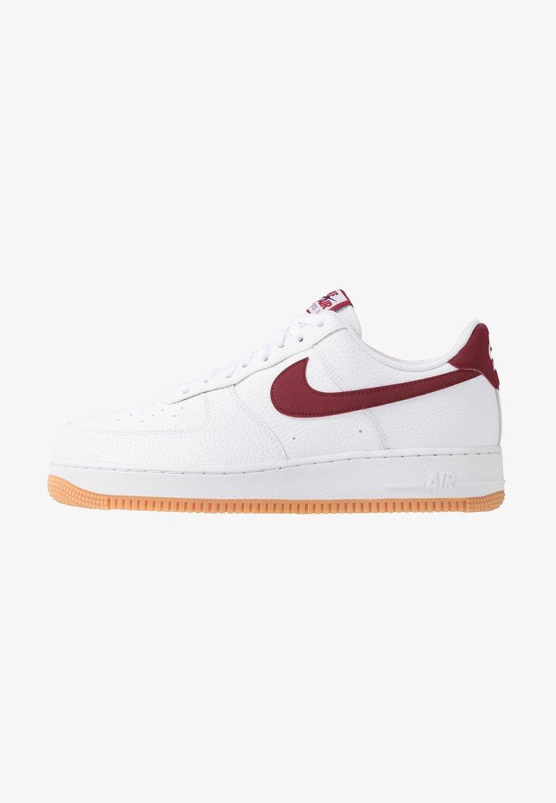 Nike Sportswear - AIR FORCE 1 '07 - Sneakers laag - white/team red/blue void/medium brown