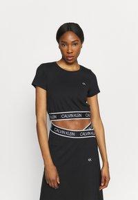 Calvin Klein Performance - Print T-shirt - black - 0
