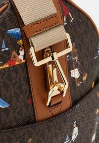 MICHAEL Michael Kors - Weekend bag - brown/multi - 4