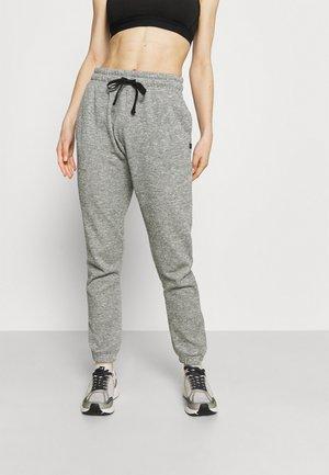 LIFESTYLE GYM TRACK PANTS - Pantalones deportivos - black/varsity