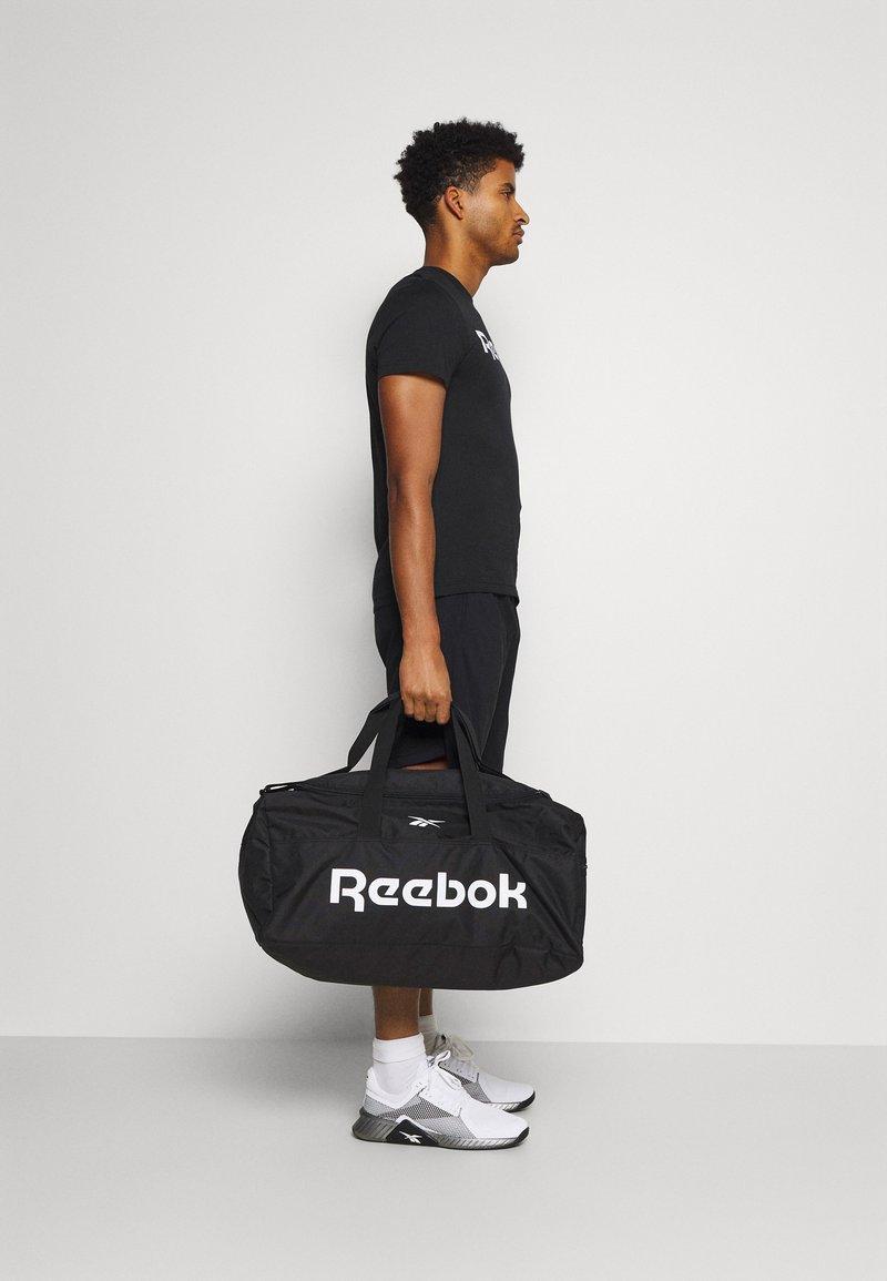 Reebok - ACT CORE GRIP UNISEX - Treningsbag - black/black