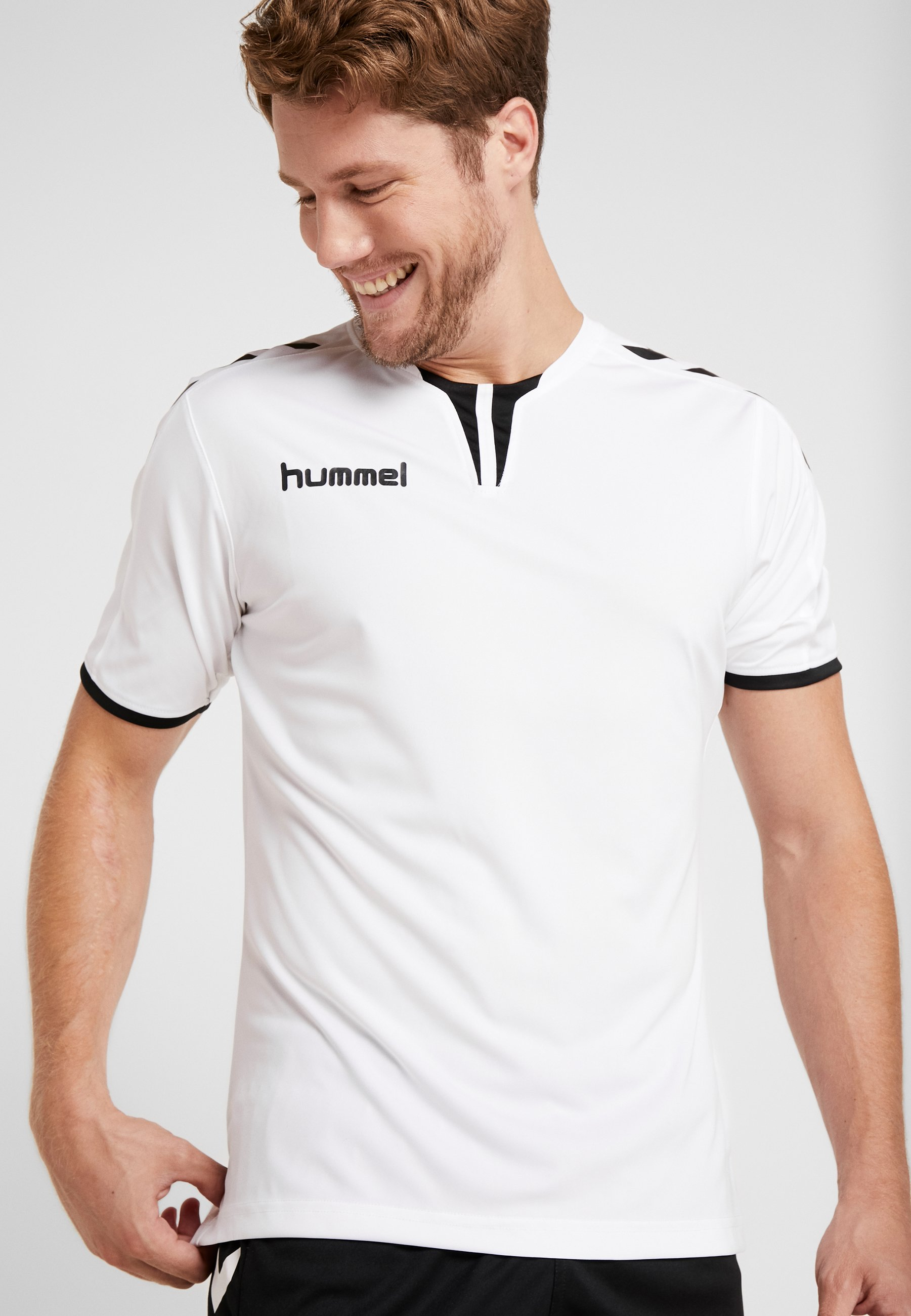 Hummel CORE - Camiseta estampada - white scBVx