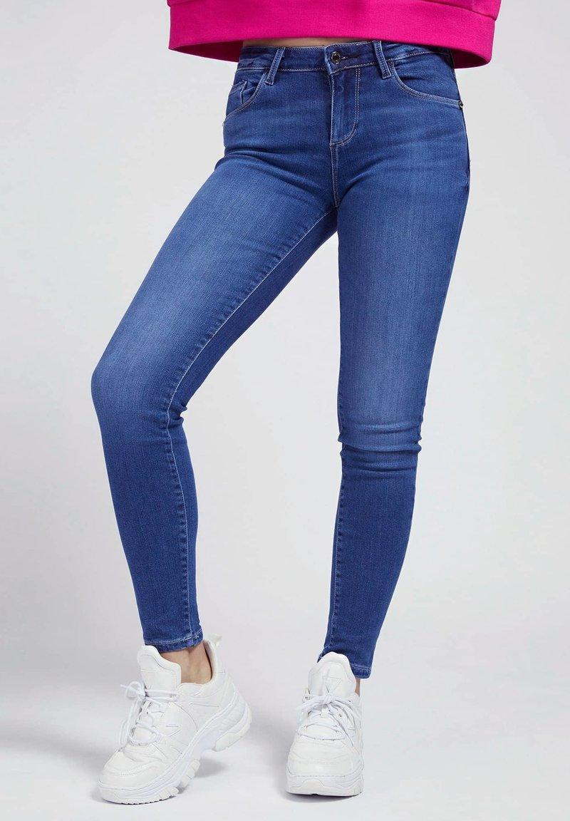 Guess - SUPER STRETCH - Jeans Skinny Fit - blau