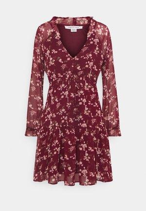 RUFFLE NECK BABYDOLL - Robe d'été - burgundy