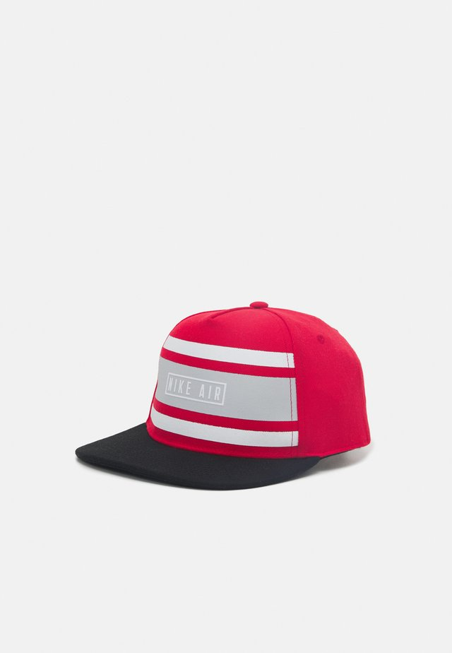 STRIPE SNAPBACK UNISEX - Kšiltovka - university red
