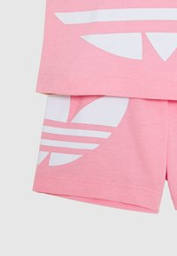 adidas Originals - BIG TREFOIL SET - Short - pink tint/light pink/white - 3