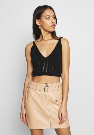 V NECK CROP - Top - black