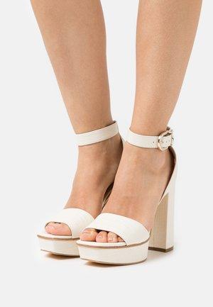 RIPPA - Sandály na platformě - cream