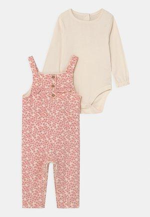 BABY DITSY SET  - Tuinbroek - pink