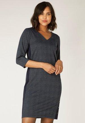 OREENA ESSENTIAL - Shift dress - dark navy/dark grey