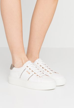 LISTA DAPHNE  - Trainers - white