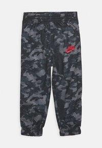 Nike Sportswear - CAMO TRICOT SET - Tepláková souprava - black - 2