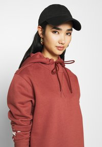 G-Star - GRAPHIC TEXT BF HOODED - Strikket kjole - cinnamon red - 3