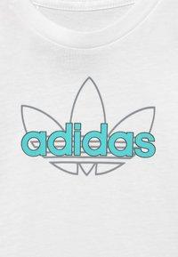 adidas Originals - UNISEX - Print T-shirt - white - 2