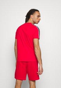 Champion - CREWNECK - T-shirt imprimé - red - 2