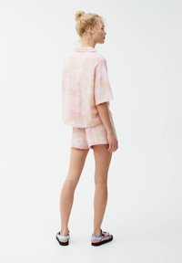 PULL&BEAR - Button-down blouse - pink - 2