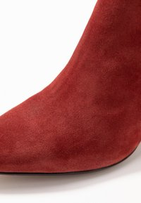 Bianco - BIACALAIS TILT BOOT - Ankle boot - winered - 2