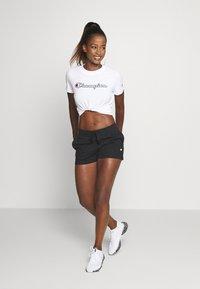 Champion - CREWNECK ROCHESTER - Camiseta estampada - white - 1