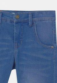 Name it - NKMTHEO  - Denim shorts - medium blue denim - 2