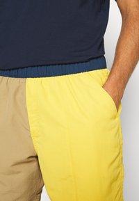 The North Face - MEN'S CLASS PULL ON TRUNK - Outdoorové kraťasy - kelp tan/bamboo yellow - 3