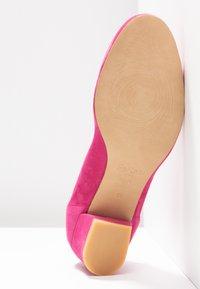PERLATO - Classic heels - fuxia - 6