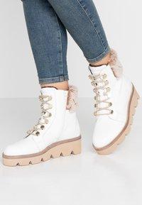Gabor - Wedge Ankle Boots - weiß/beige - 0