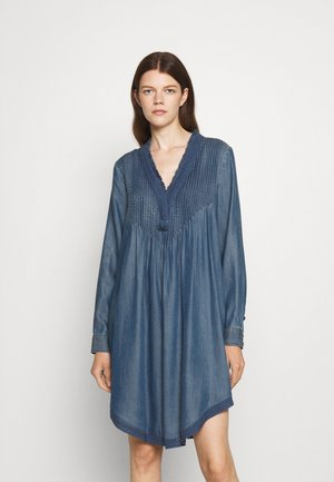 BOHEMIAN DRESS - Denní šaty - hip indigo
