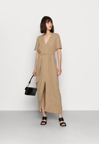 Selected Femme - SLFREBEKKA-DYNELLA DRESS - Maxi dress - kelp - 1