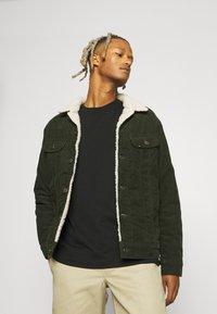 Lee - SHERPA JACKET - Light jacket - rosin - 0