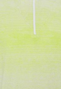Oakley - CONTENDER HALF ZIP - Sweatshirt - yellow/white - 2