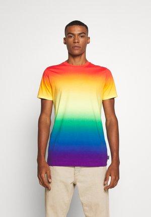 PRIDE CREW - T-shirt imprimé - rainbow ombre