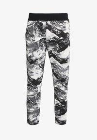 White Mountaineering - MOUNTAIN PRINTED - Teplákové kalhoty - black - 3