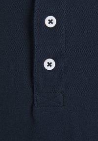 Jack & Jones - JORPLAYA - Polo shirt - navy blazer - 2
