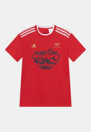 SALAH TEE UNISEX - Camiseta estampada - vivid red/white/gold