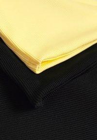 Monki - 2 PACK - Top - yellow/black - 6