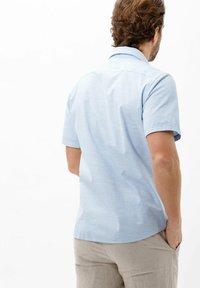 BRAX - STYLE HARDY - Shirt - blau>i - 2