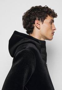 Emporio Armani - Lehká bunda - black - 4