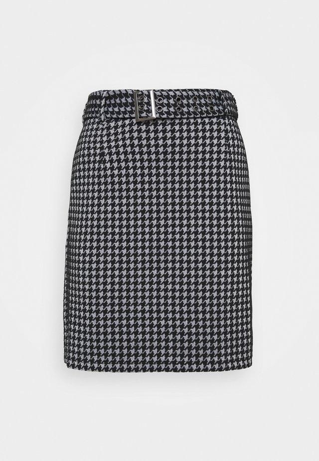 NMHOUND  - Pouzdrová sukně - bright white/black
