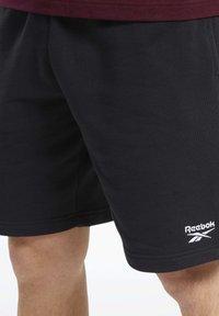Reebok Classic - CLASSICS VECTOR SHORTS - Shorts - black - 3
