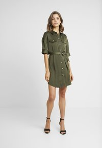 Vero Moda - VMJANE DRESS - Shirt dress - ivy green - 0