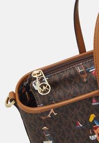 MICHAEL Michael Kors - TOTE - Handbag - brown/multi - 5