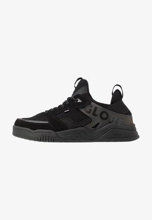 TILT EVO - Sneakersy niskie - triple black