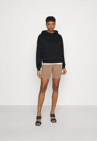 Good American - BOYFRIEND HOODIE - Sweatshirt - black - 1