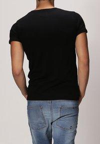 Resteröds - ORIGINAL - Basic T-shirt - black - 3