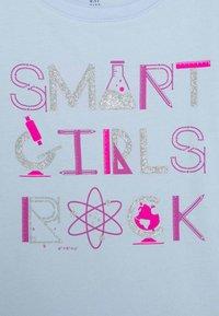 GAP - GIRLS - Triko spotiskem - pure blue - 2