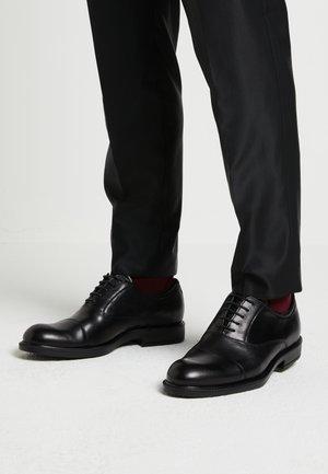 VITRUS  - Smart lace-ups - black