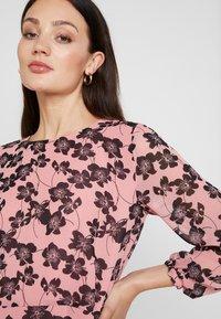 Moss Copenhagen - GRACIE SHORT DRESS - Day dress - light pink - 5