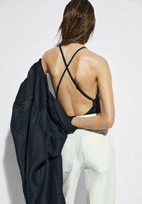 Massimo Dutti - MIT NADELSTREIFEN  - Trousers - beige - 2